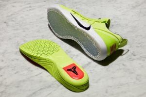 Salah satu contoh insole KOBE A.D Menggunakan teknologi Lunarlon dan Nike Zoom