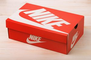 Salah satu contoh box sepatu nike