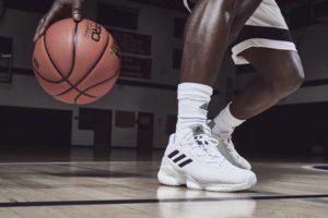 Sepatu basket Adidas Termurah