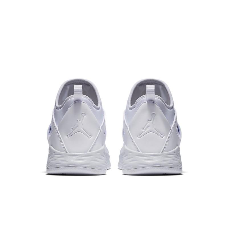 Jual Sepatu Basket Jordan Formula 23 Triple White Original ... 1986872f88