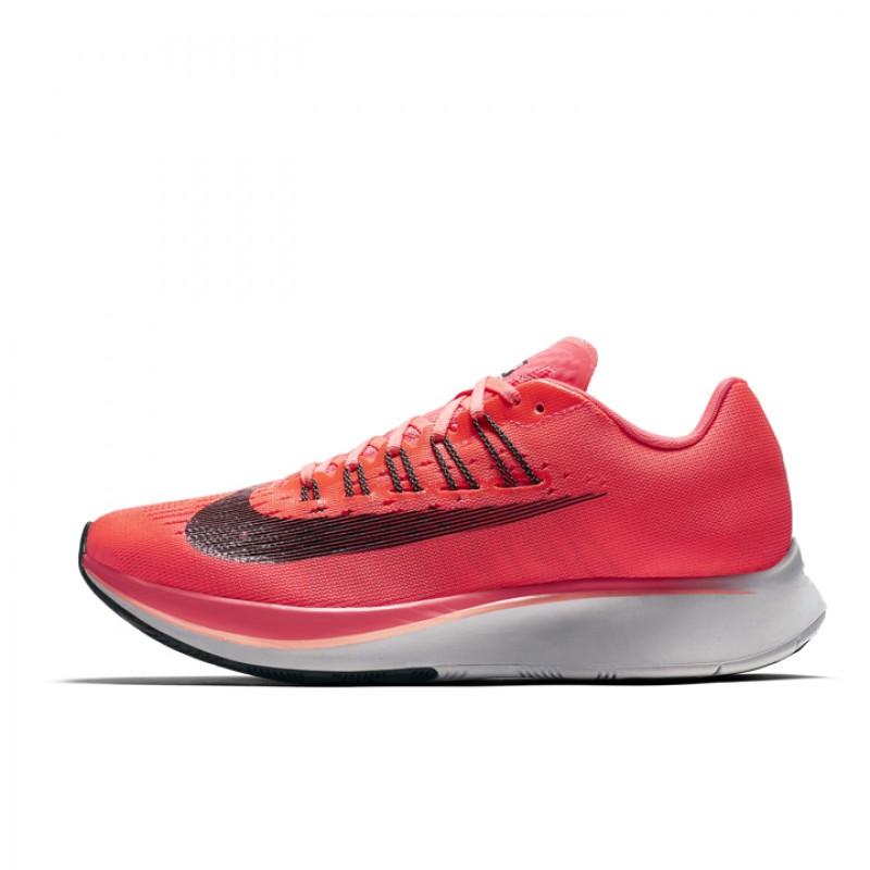 897821-600 Wmns Zoom Fly