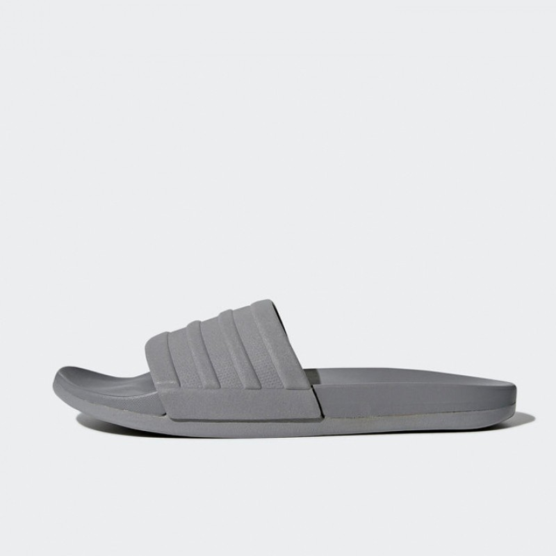 S80977 Adilette Cloudfoam Plus Mono Slides