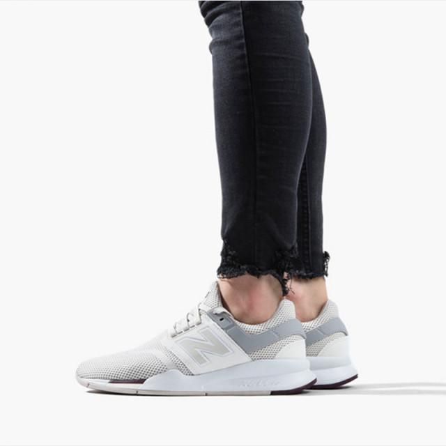 Sepatu Sneakers New Balance Wmns 247 V2 Beige
